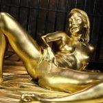 メッシー黒ギャルAIKAの全身金粉SEX